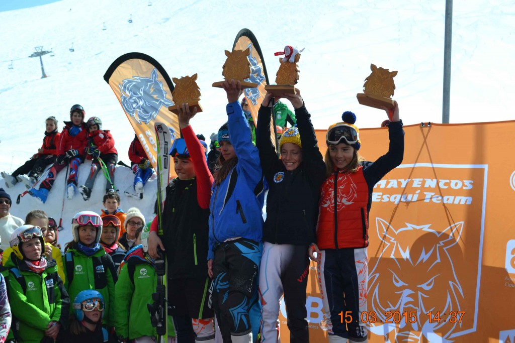 Foto de grupo de los campeones de la Combinada.