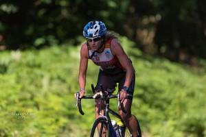 Yolanda en el segmento de ciclismo. Fotografía de Imanol Mujika.