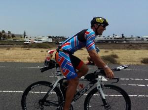 Héctor en el tramo final del ciclismo