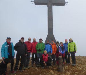 Participantes en la colocación del Belén de Peña Oroel.